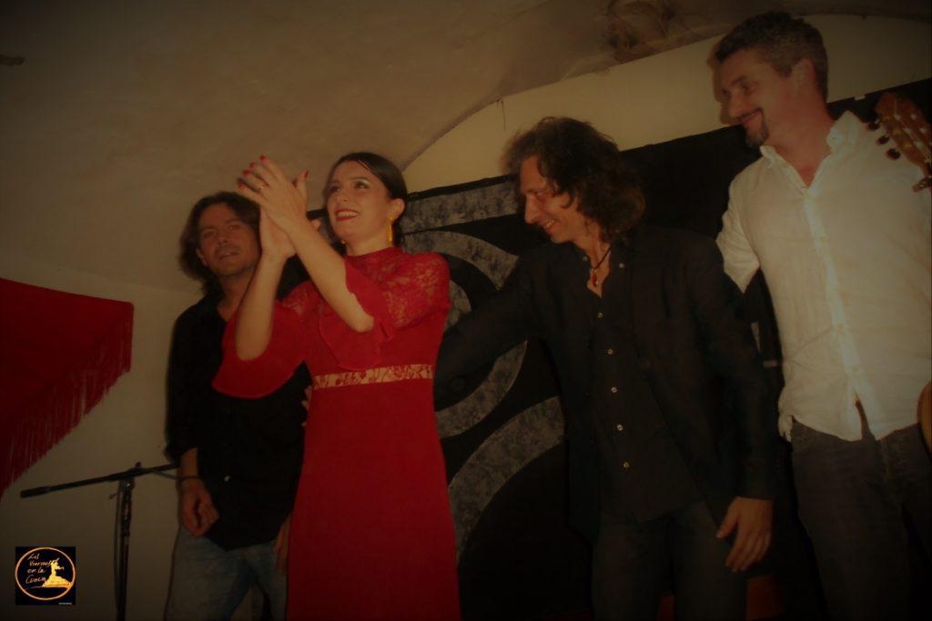 Carmen Meloni baile a Los Viernes en la Cueva